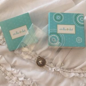 Brand New Stella & Dot Leo Charm with Box